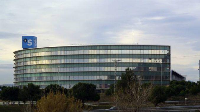 Edificio Corporativo Banco Sabadell Sant Cugat. Licencia Creative Commons